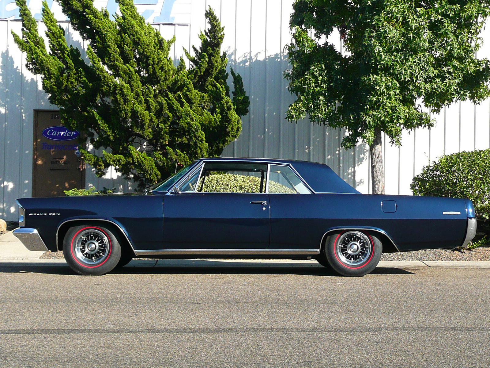 1963 PONTIAC GRAND PRIX 2 DOOR HARDTOP - Side Profile - 80970
