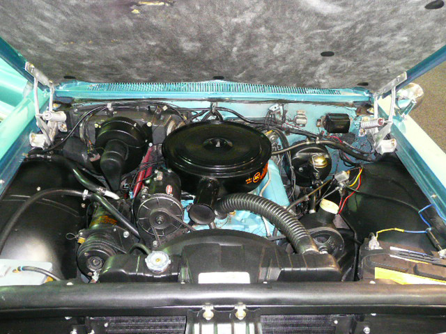 1962 PONTIAC BONNEVILLE CONVERTIBLE - Engine - 80975