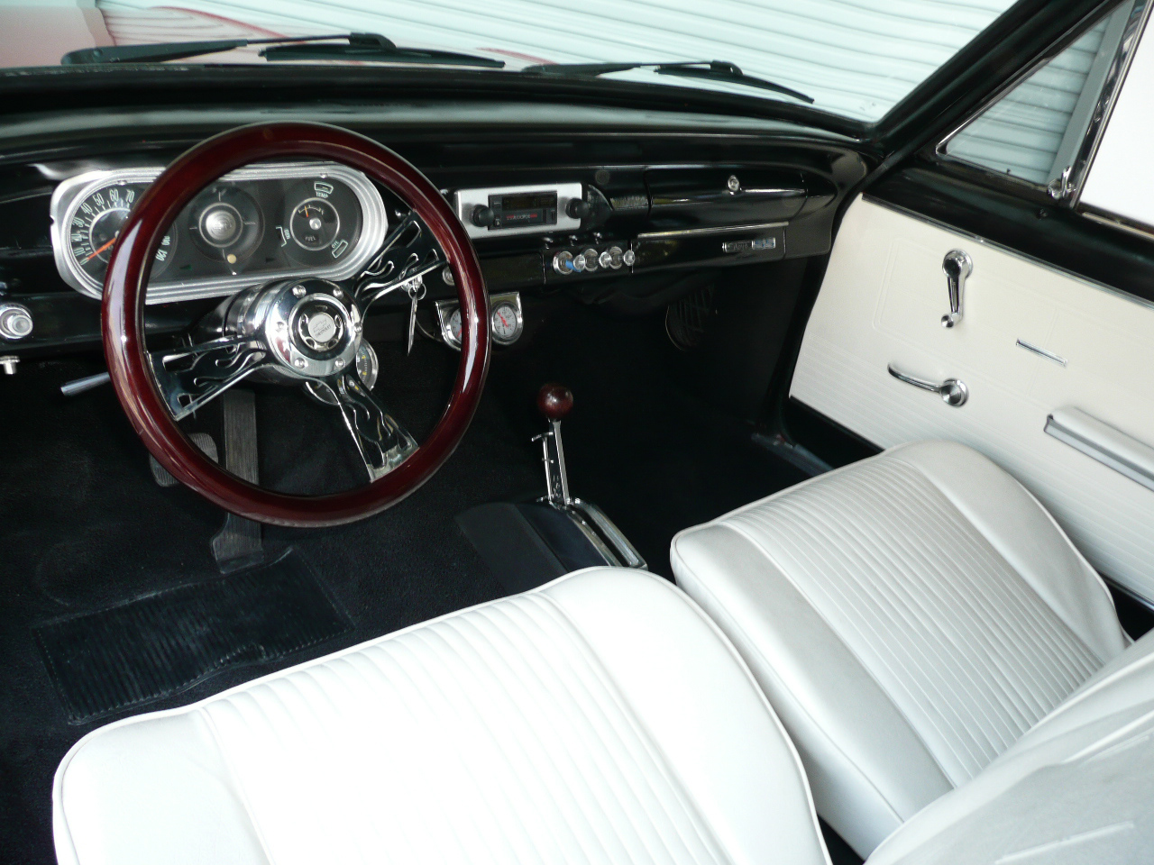 1963 CHEVROLET NOVA SS CUSTOM 2 DOOR HARDTOP - Interior - 80989