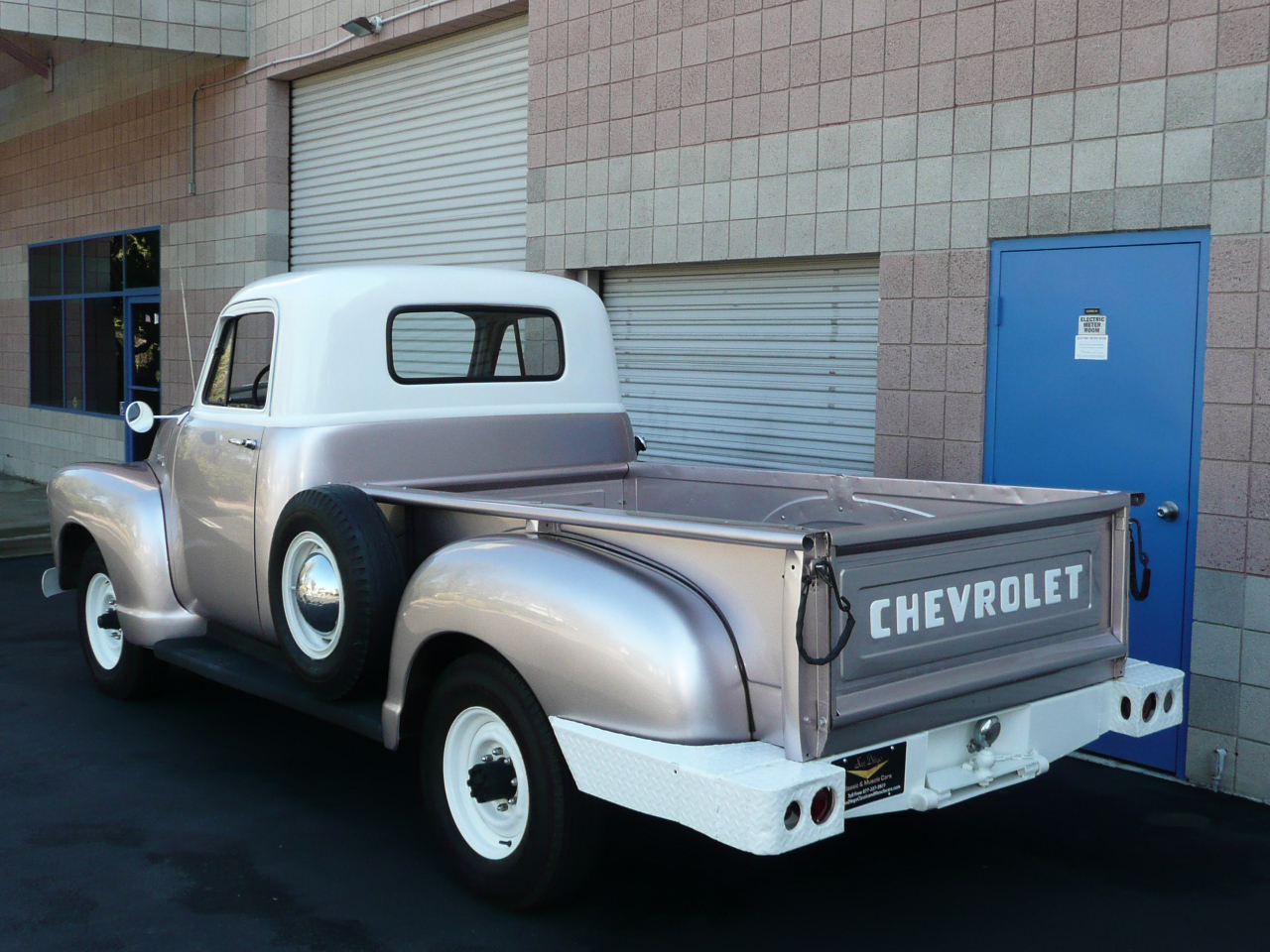 1954 CHEVROLET 3600 LONG BED PICKUP - Rear 3/4 - 80992