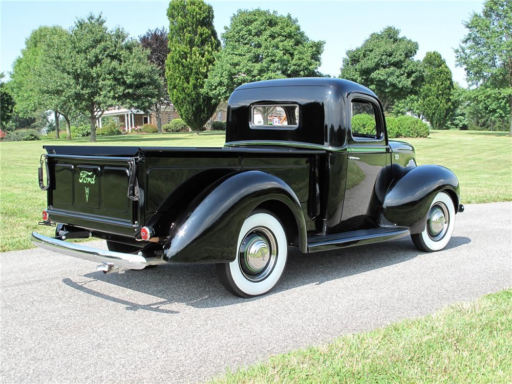 1941 FORD PICKUP - Rear 3/4 - 81016