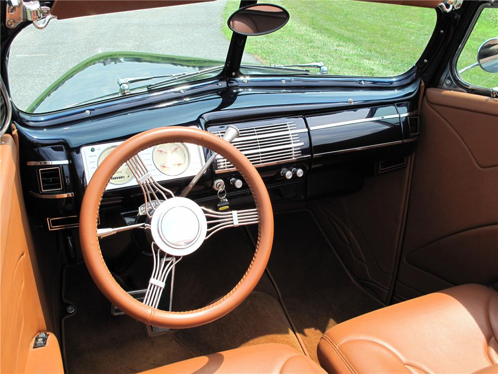1940 FORD CUSTOM 2 DOOR CONVERTIBLE - Interior - 81018