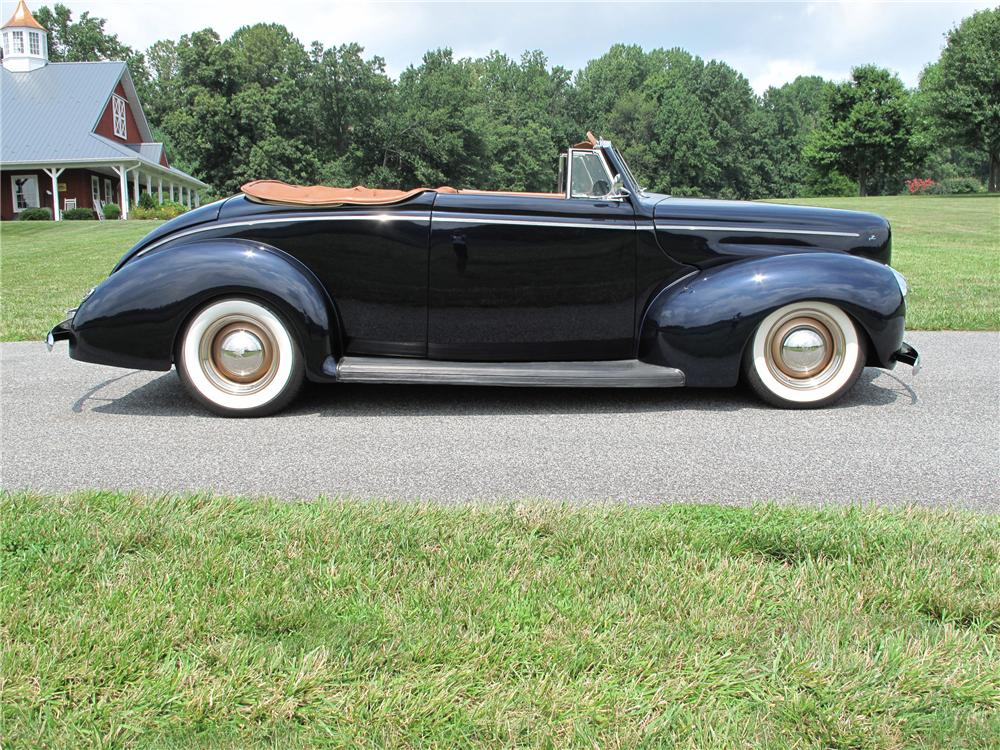 1940 FORD CUSTOM 2 DOOR CONVERTIBLE - Side Profile - 81018