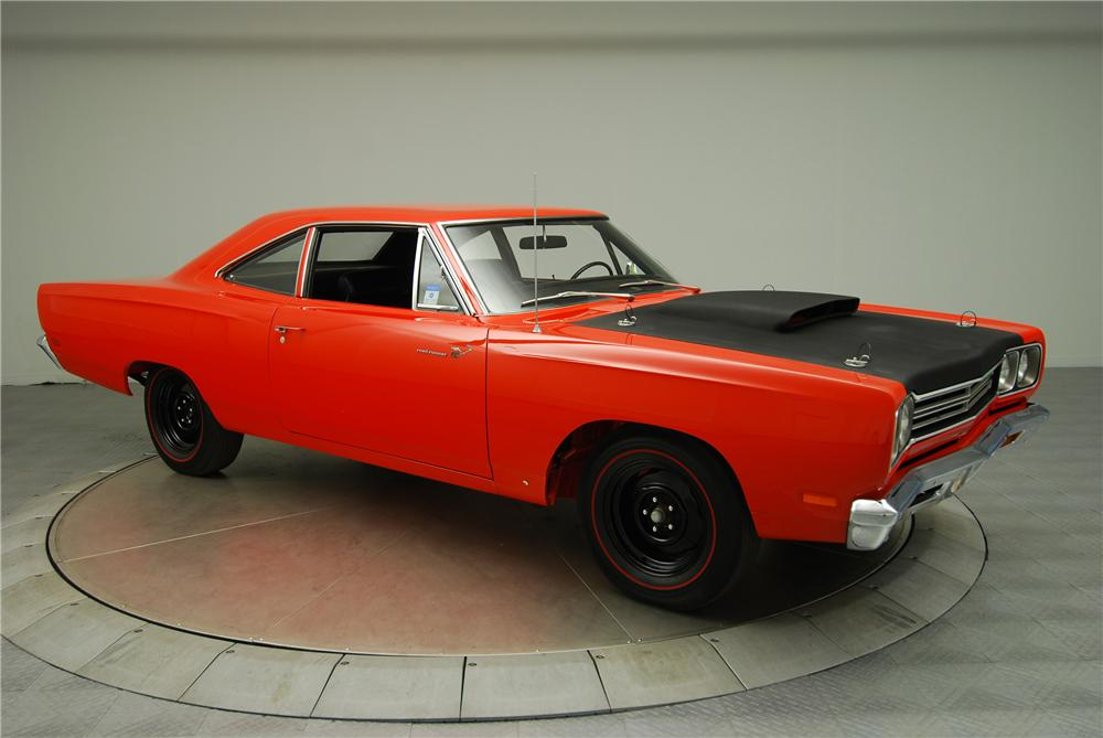 Top 10 1960s Muscle Cars together with 1970 Dodge Challenger likewise 440 Magnum Engine For Sale further 1970 Dodge Challenger Rt And Convertible Specs Colors further Chrysler 440 Engine. on dodge 440 six pack engine