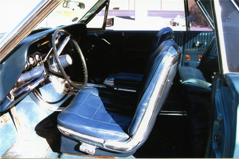 1966 FORD THUNDERBIRD 2 DOOR HARDTOP - Interior - 81048