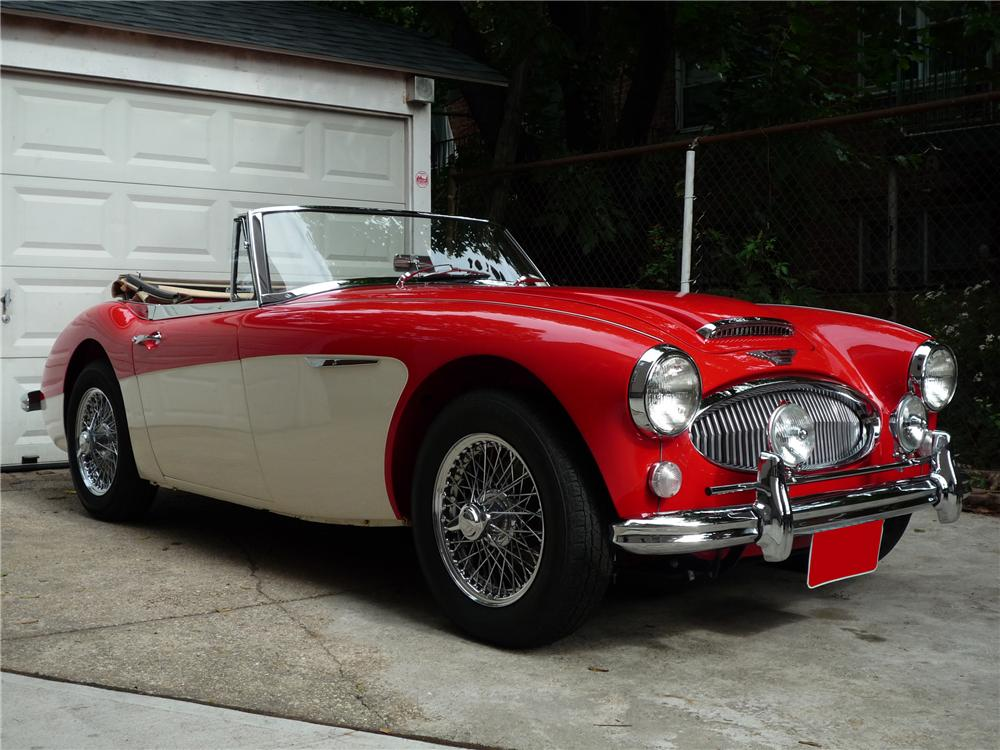 1965 AUSTIN-HEALEY BJ8 CONVERTIBLE - Front 3/4 - 81058