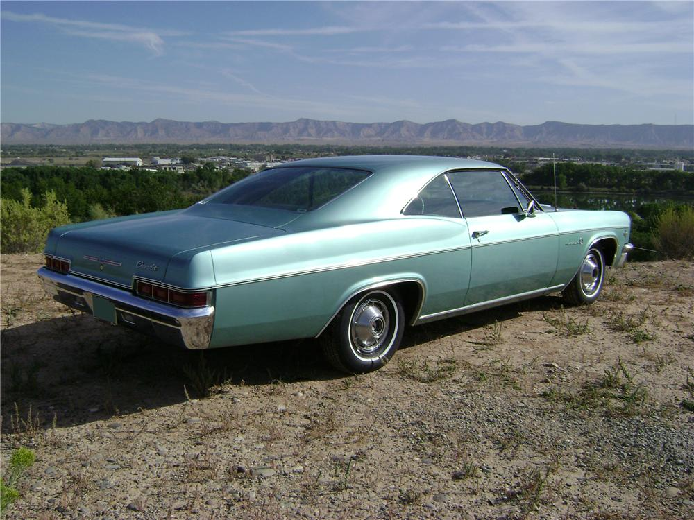 1966 CHEVROLET IMPALA 2 DOOR HARDTOP - Rear 3/4 - 81075