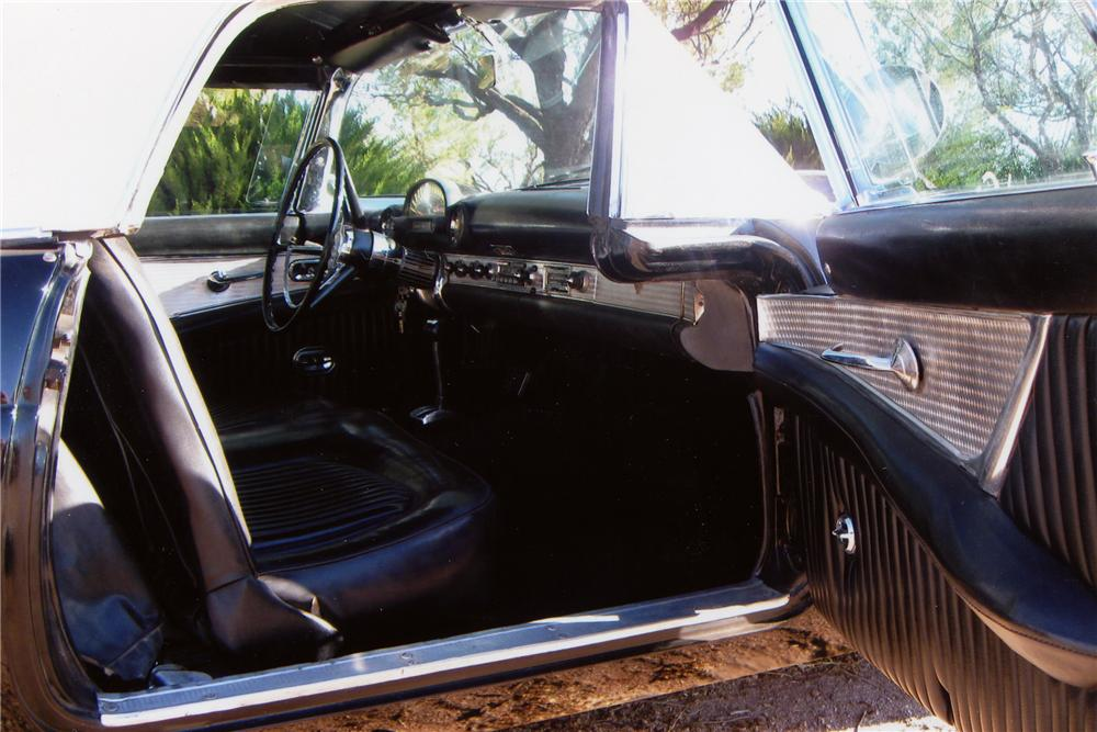 1956 FORD THUNDERBIRD CONVERTIBLE - Interior - 81084