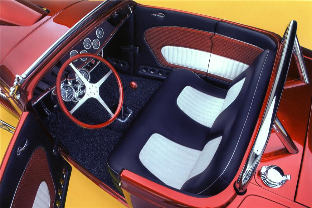 1932 FORD CUSTOM SHOW ROADSTER - Interior - 81088