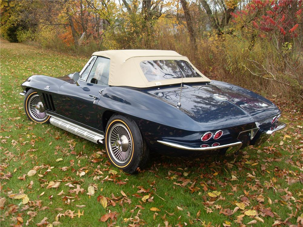 1966 CHEVROLET CORVETTE CONVERTIBLE - Front 3/4 - 81090