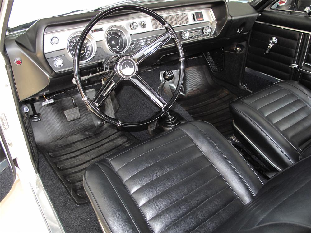 1967 OLDSMOBILE CUTLASS CONVERTIBLE - Interior - 81094