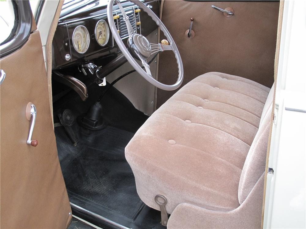 1939 FORD STANDARD 2 DOOR COUPE - Interior - 81099