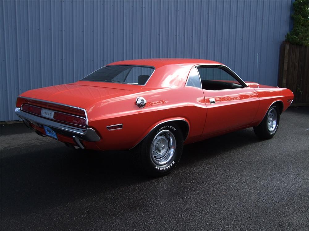 1970 DODGE CHALLENGER 2 DOOR HARDTOP - Rear 3/4 - 81106