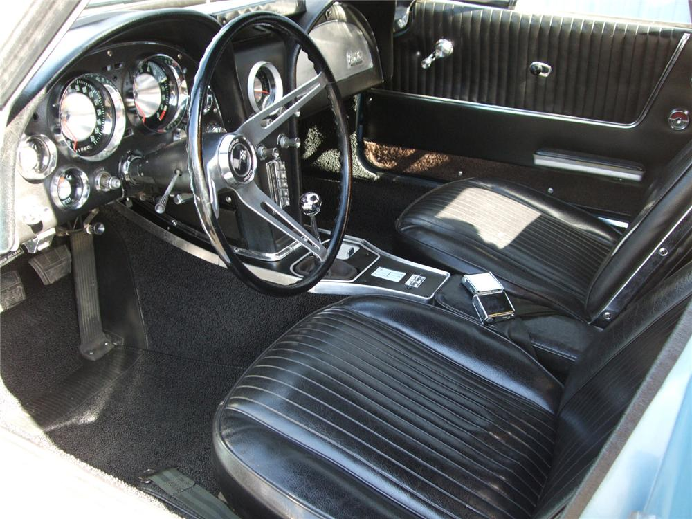 1963 CHEVROLET CORVETTE CONVERTIBLE - Interior - 81107