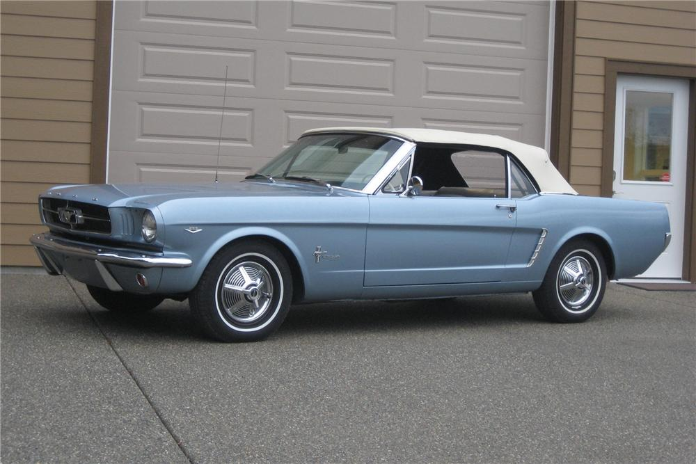 1965 FORD MUSTANG CONVERTIBLE - Front 3/4 - 81118