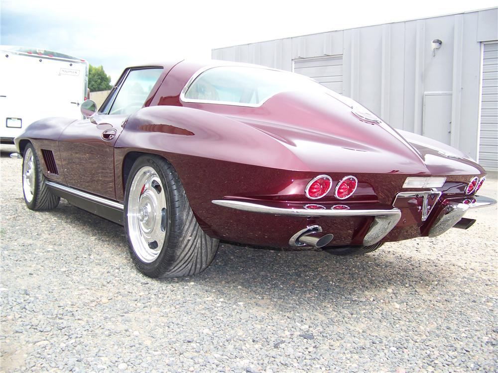 1966 CHEVROLET CORVETTE CUSTOM COUPE - Rear 3/4 - 81130
