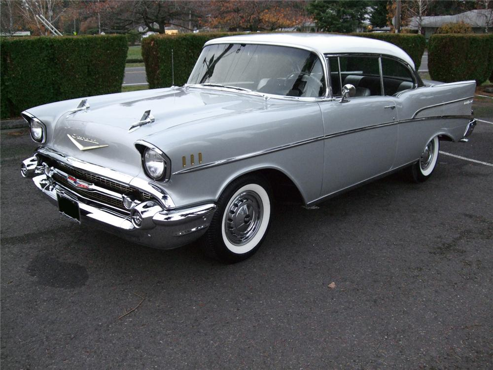1957 CHEVROLET BEL AIR 2 DOOR HARDTOP - Front 3/4 - 81131