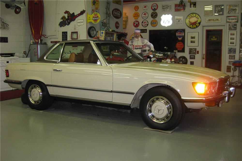1972 MERCEDES-BENZ 350SL CONVERTIBLE - Front 3/4 - 81135