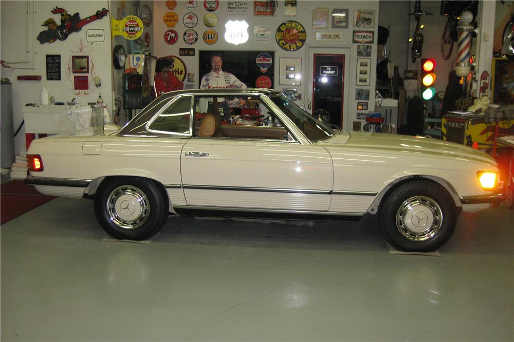 1972 MERCEDES-BENZ 350SL CONVERTIBLE - Side Profile - 81135