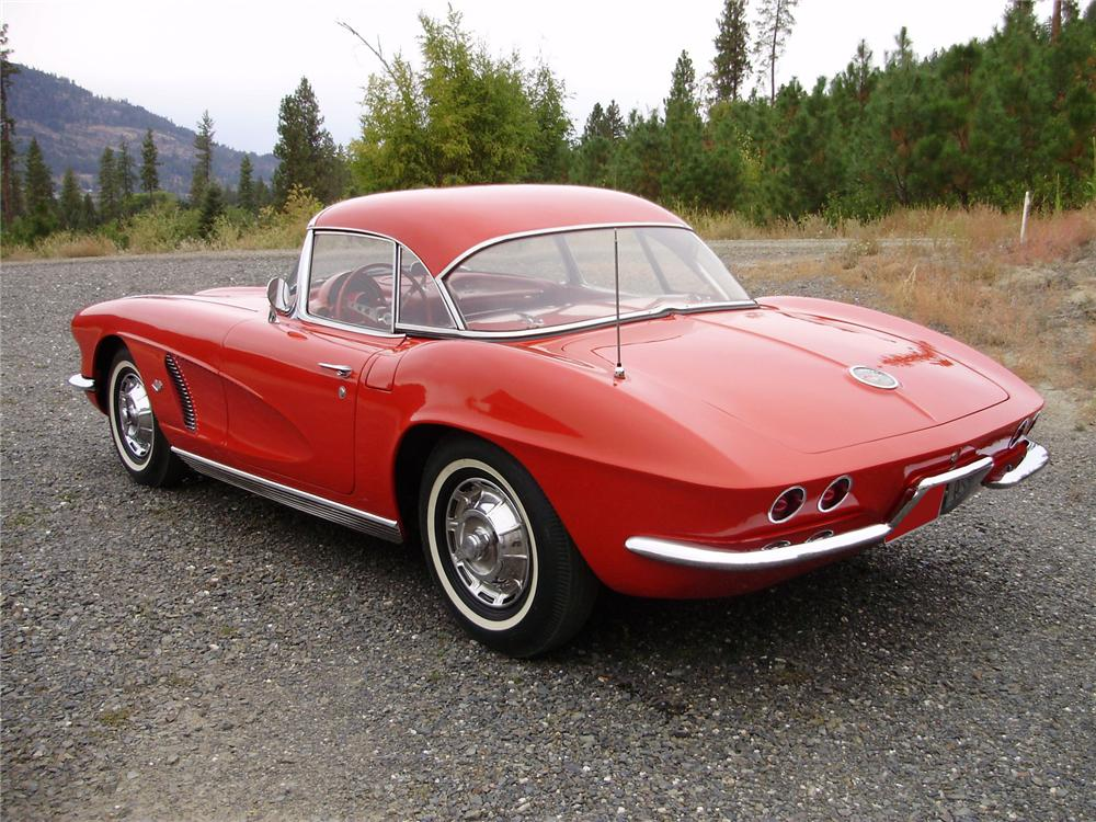 1962 CHEVROLET CORVETTE CONVERTIBLE - Rear 3/4 - 81142