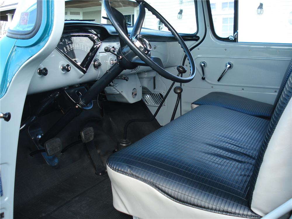 1958 CHEVROLET SUBURBAN CARRYALL 4WD - Interior - 81144