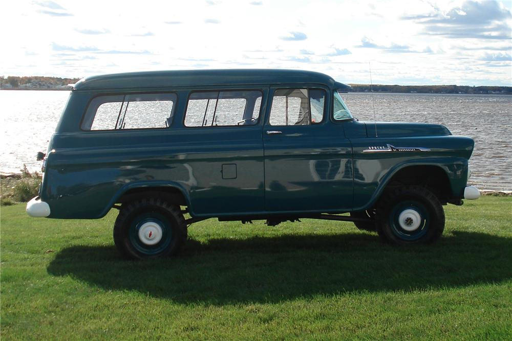 1958 CHEVROLET SUBURBAN CARRYALL 4WD - Side Profile - 81144