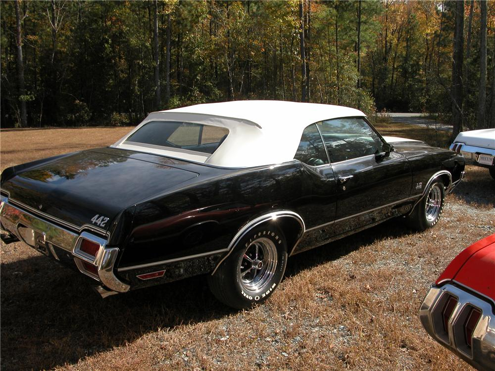 1971 OLDSMOBILE 442 CONVERTIBLE - Rear 3/4 - 81145