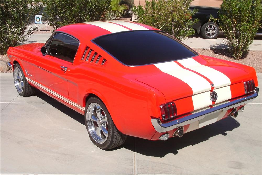 1965 FORD MUSTANG CUSTOM FASTBACK - Rear 3/4 - 81156