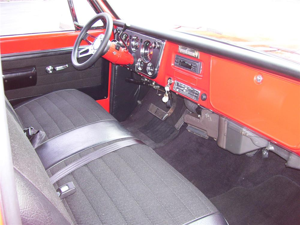 1968 CHEVROLET CUSTOM SWB PICKUP - Interior - 81170