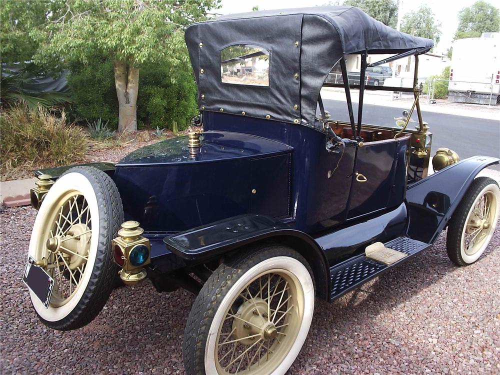 1913 FORD MODEL T RUNABOUT - Rear 3/4 - 81190