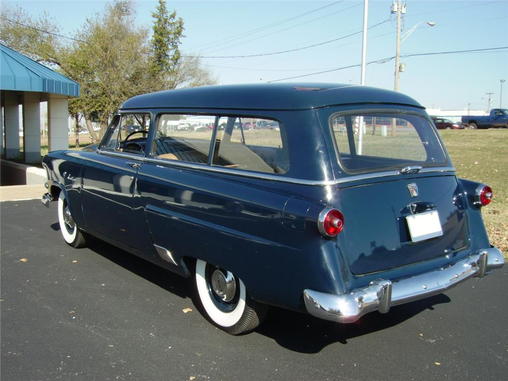 1953 FORD RANCH WAGON 2 DOOR - Rear 3/4 - 81204