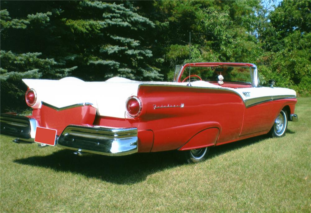 1957 FORD FAIRLANE 500 CONVERTIBLE - Rear 3/4 - 81223