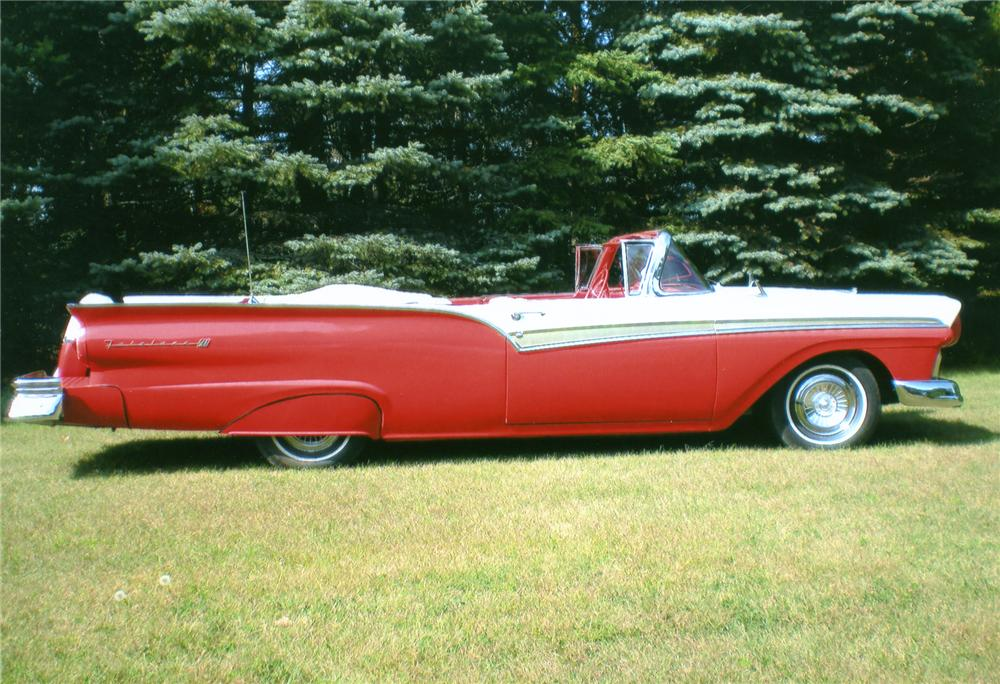 1957 FORD FAIRLANE 500 CONVERTIBLE - Side Profile - 81223