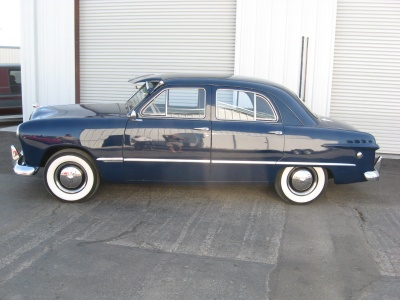 1949 FORD DELUXE 4 DOOR HARDTOP - Side Profile - 81244