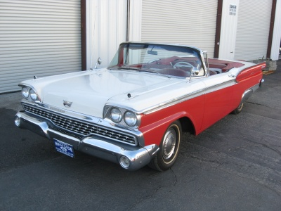 1959 FORD GALAXIE 500 CONVERTIBLE - Front 3/4 - 81246
