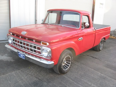 1965 FORD F-100 PICKUP - Front 3/4 - 81248