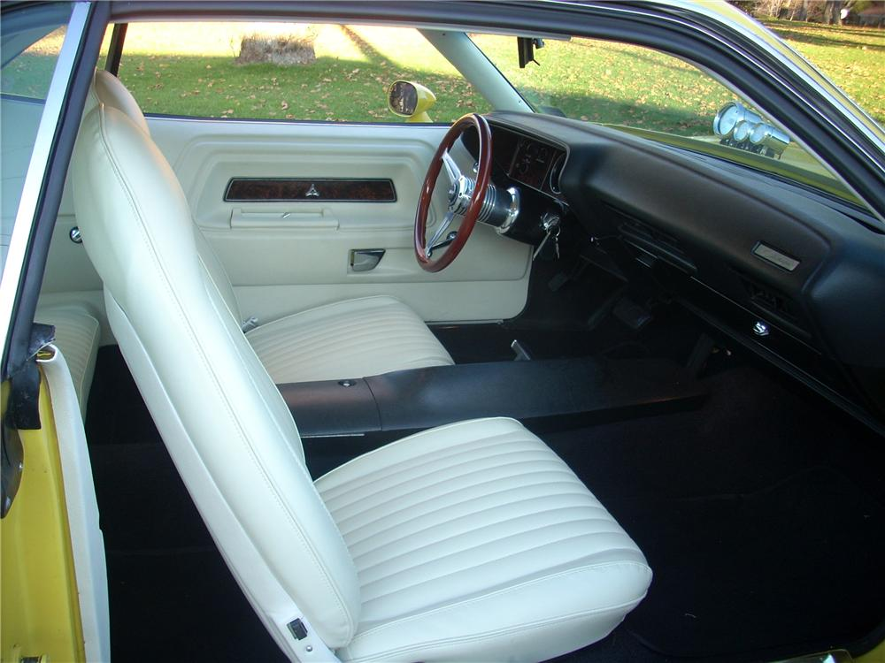 1972 DODGE CHALLENGER CUSTOM COUPE - Interior - 81254