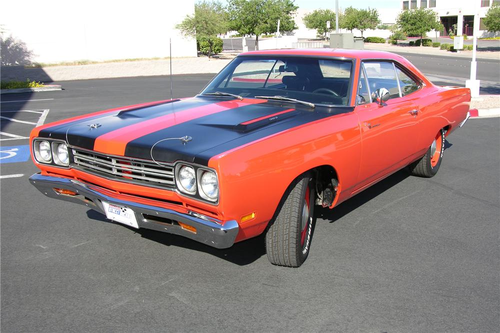 1969 PLYMOUTH ROAD RUNNER 2 DOOR COUPE - Front 3/4 - 81255