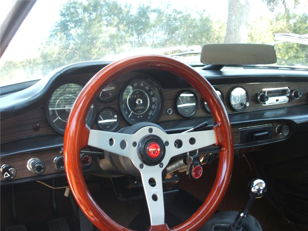 1971 VOLVO P1800 COUPE - Interior - 81265