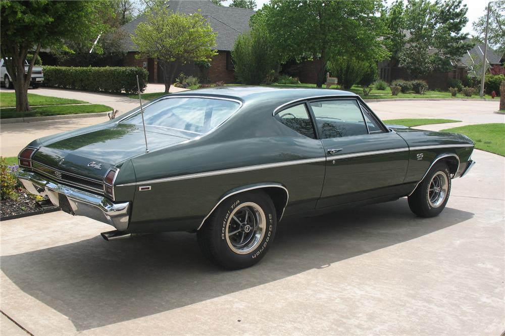 1969 CHEVROLET CHEVELLE SS 396 COUPE - Rear 3/4 - 81269