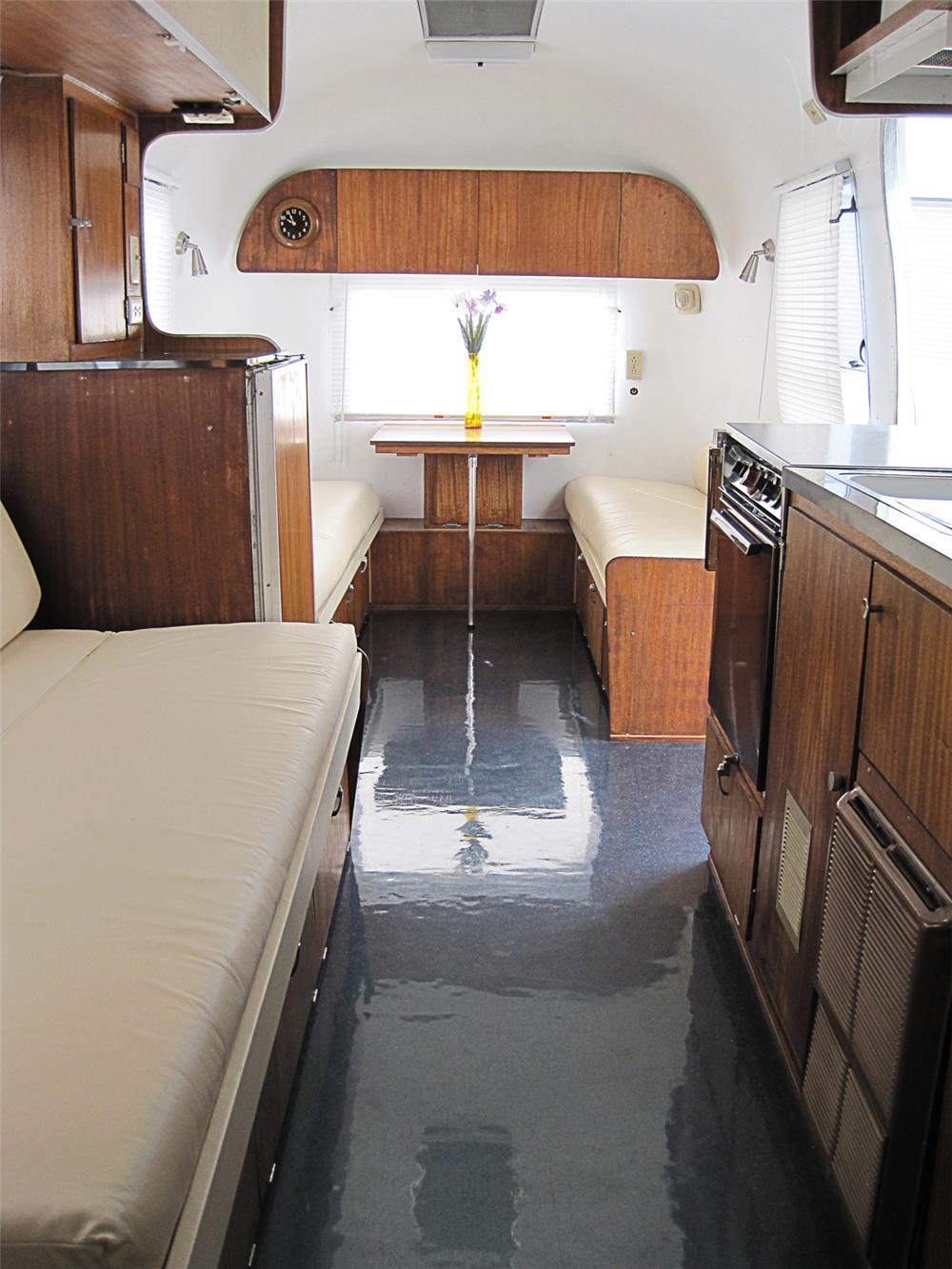 Interior: 1965 AIRSTREAM SAFARI LAND YACHT