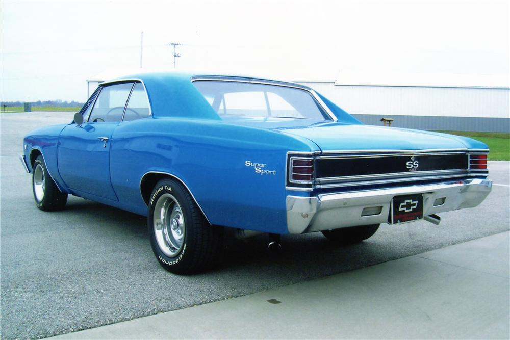 1967 CHEVROLET CHEVELLE CUSTOM COUPE - Rear 3/4 - 81298