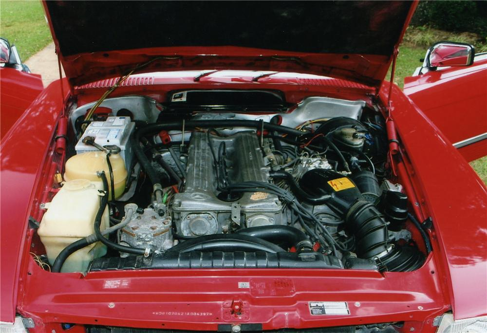 1984 MERCEDES-BENZ 280SL ROADSTER - Engine - 81300