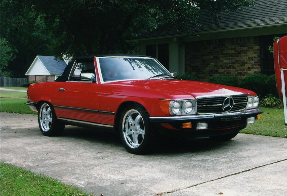 1984 MERCEDES-BENZ 280SL ROADSTER - Front 3/4 - 81300