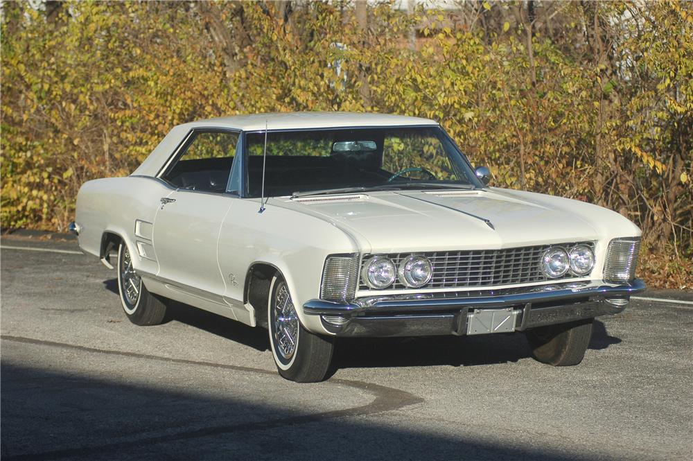 1963 BUICK RIVIERA COUPE - Front 3/4 - 81313