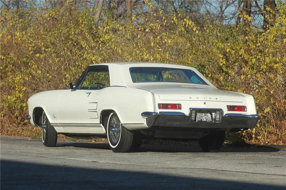 1963 BUICK RIVIERA COUPE - Rear 3/4 - 81313