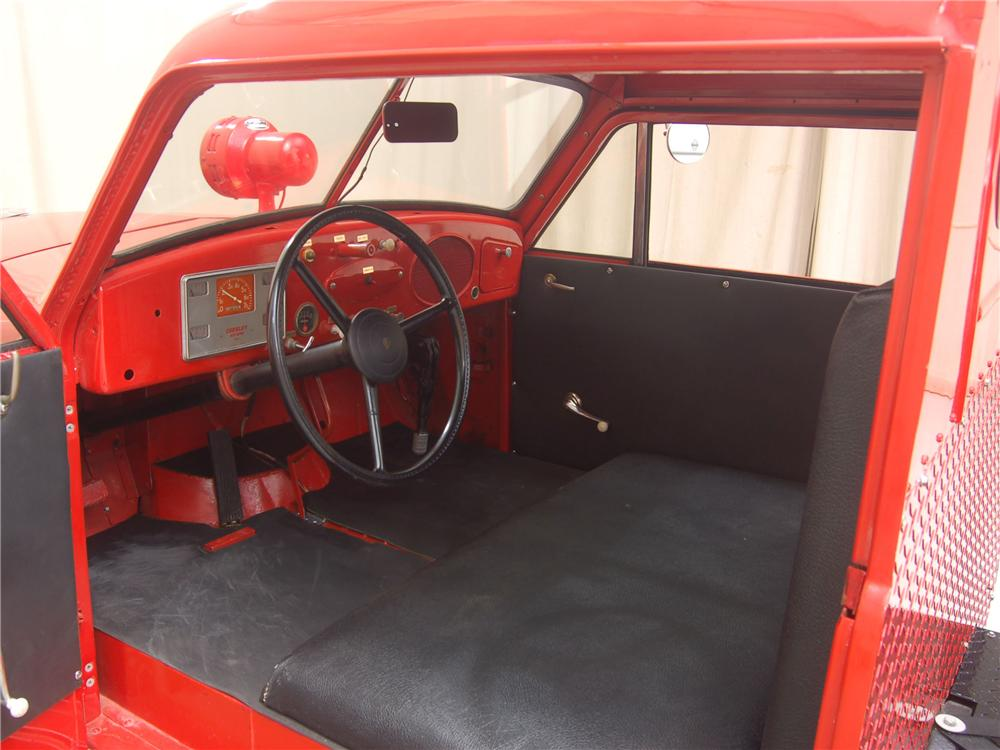 1951 CROSLEY HOOK AND LADDER FIRETRUCK - Interior - 81315