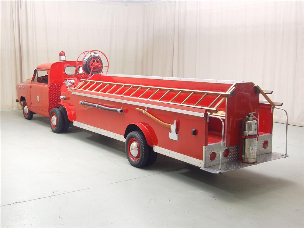 1951 CROSLEY HOOK AND LADDER FIRETRUCK - Rear 3/4 - 81315