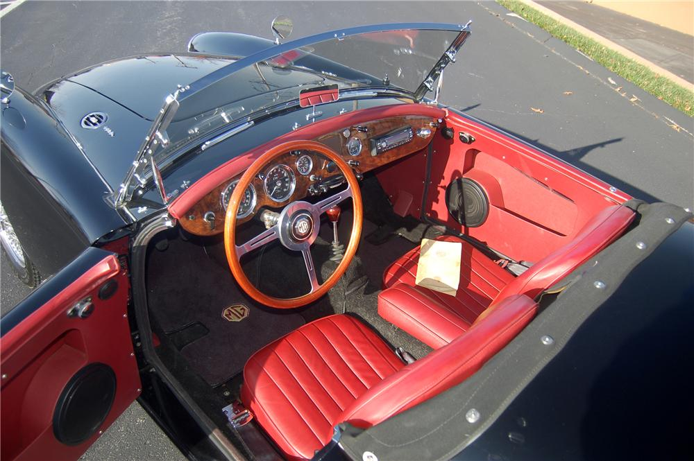 1960 MG A ROADSTER - Interior - 81319