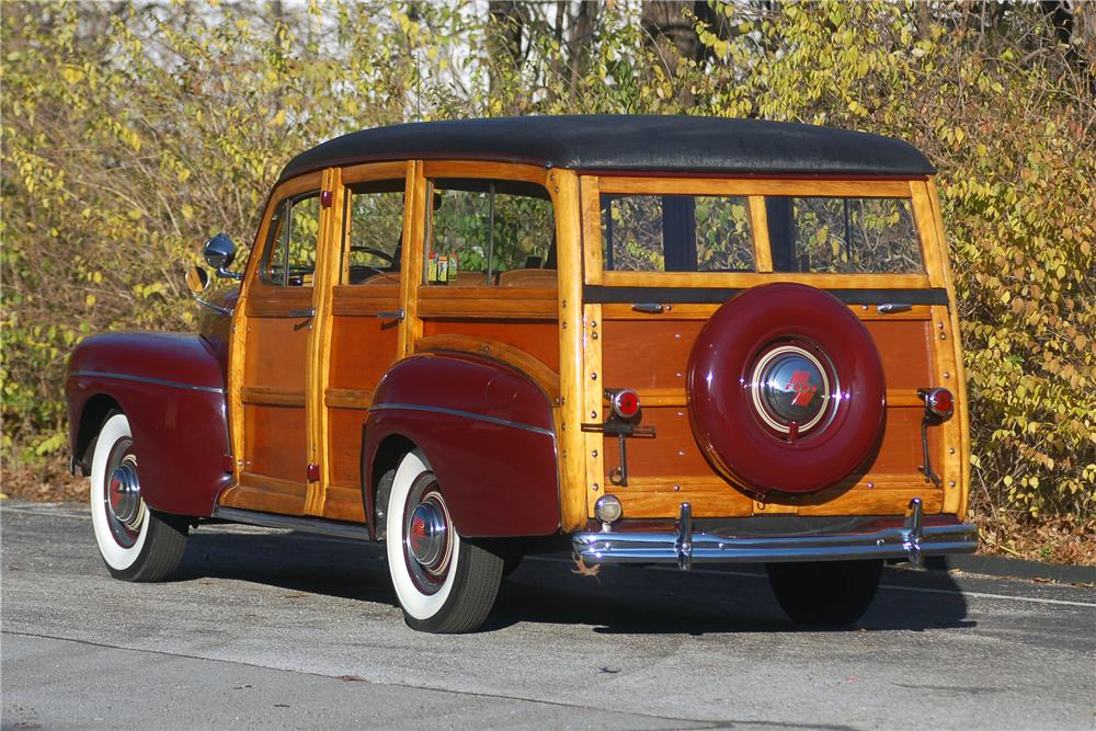 1946 FORD WOODY WAGON - Rear 3/4 - 81335